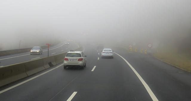 mlha na dálnici