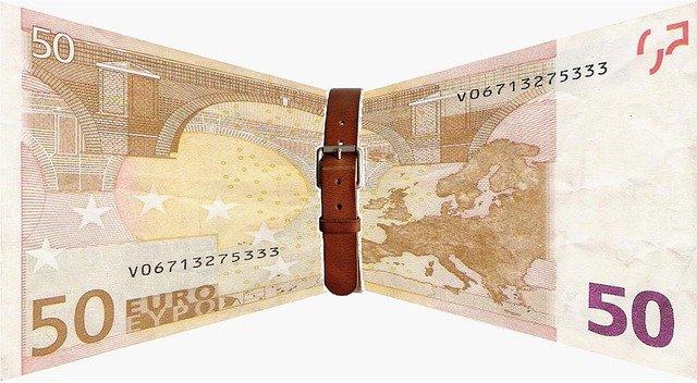 pásek na bankovce